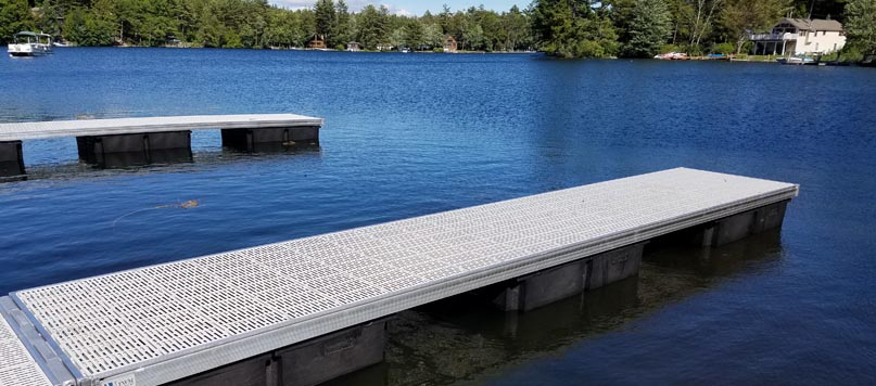 Floating Docks vs. Stationary Docks: Which One is Right for You?